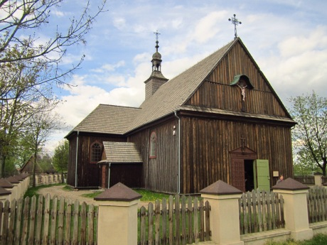 Kościół w centrum zrekonstruowanej wsi