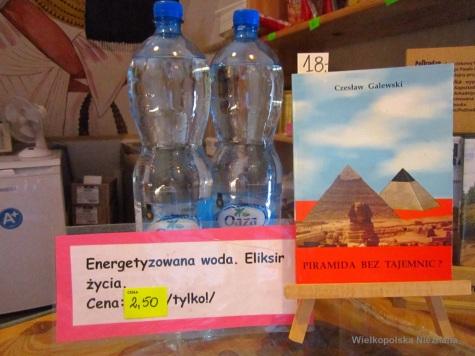 Z piramidy woda, kosmicznej mocy doda