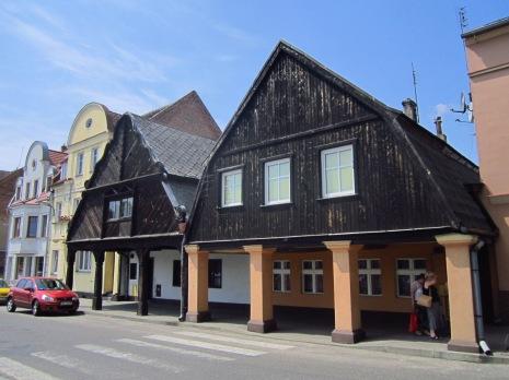 Zabytkowe domy podcieniowe na rynku