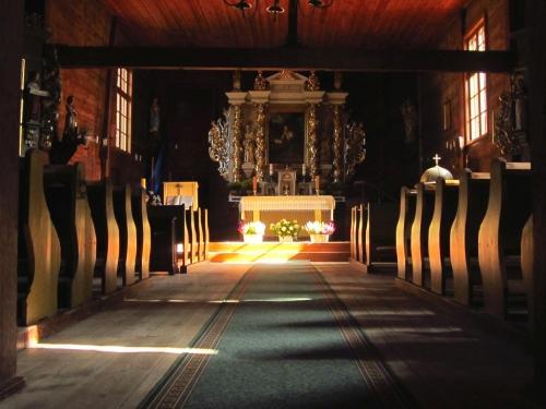 Wnętrze kościoła w Długiej Goślinie